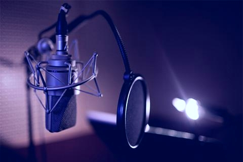 french parisian voice overs.  Recording studio Paris